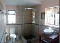 113-on-robberg-room-3-bathroom.jpg