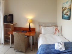 113-on-robberg-room-4-bed.jpg